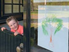 Kinderen tekenen hun eigen droomboom voor een groener Hof van Twente