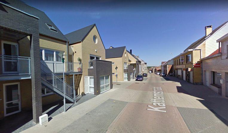 Het Pastoor J. De Bondterf is hier links aan de Kattemstraat gelegen.