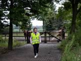 Al heeft ze dementie, Nelly (84) wandelt elke dag: 'Tegenhouden is geen optie'