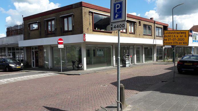 In de oude Citroëngarage aan de Leidsestraatweg in Woerden zou 27 juli een corona-teststraat komen, maar de ingebruikname is uitgesteld.