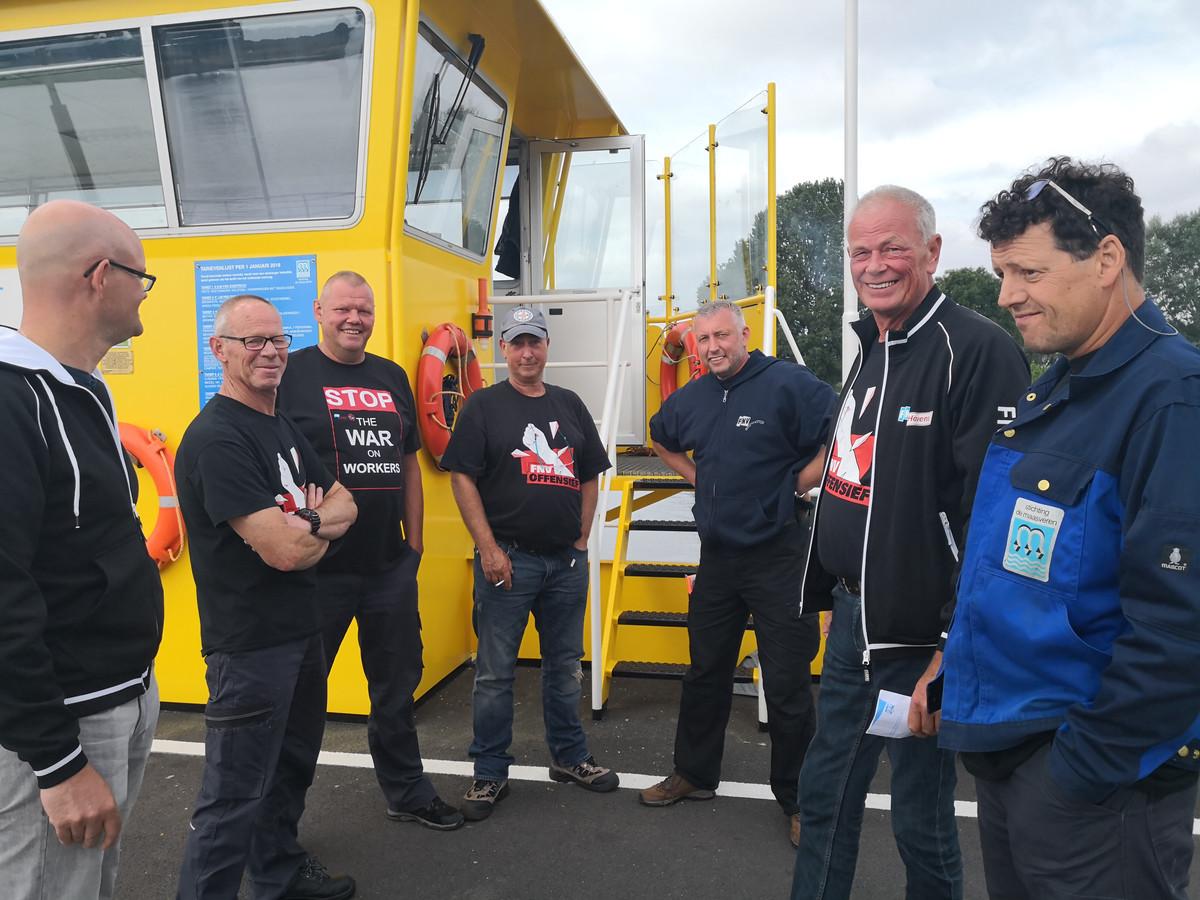 Schippers van de Maasveren met steun uit Rotterdam.