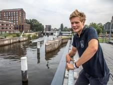 Roeiers ergeren zich aan snelle boten in Zwolse grachten: '...dan is het alle hens voor ons...'