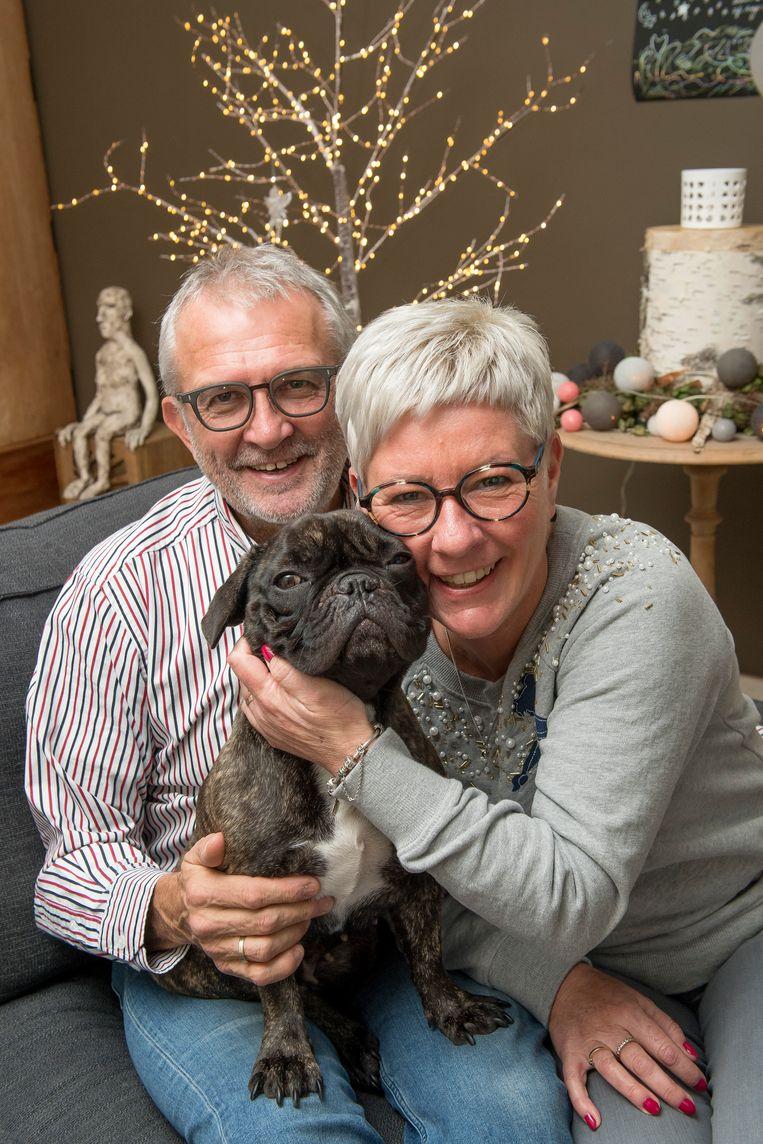 Philippe Missiaen en Mieke Vanlerberghe hebben de actie voor De Warmste Week van hun overleden dochter Emma verdergezet. Het werd een groot succes, tot hun vreugde en die van hond Odette