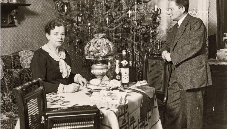 1935: De welvaart neemt toe: de elektrische kachel is nieuw. Beeld Museum Charlottenburg-Wilmersdorf
