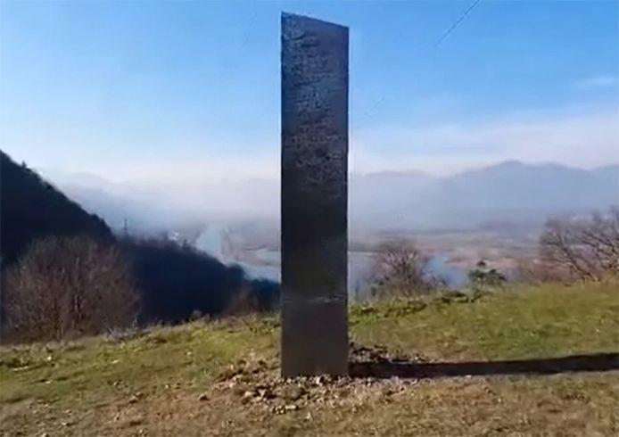 Un nouveau étrange monolithe est apparu en Roumanie