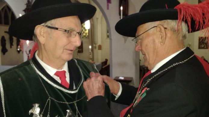 Cor van Ewijk ontving een zilveren schild.