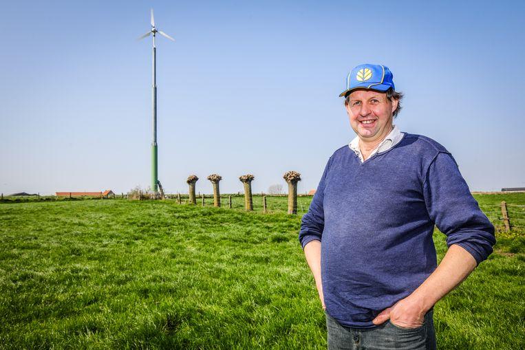 Johan Debruyne plaatste een windmolen op zijn boerderij en was daarmee de eerste in onze provincie.