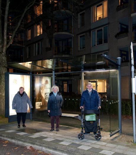 80-jarige strijdt voor behoud bushalte in Deventer: 'Zonder redden we het niet'