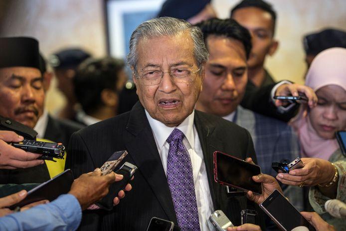 De 94-jarige Maleisische premier Mahathir spreekt eerder dit jaar tegen de pers zijn ongenoegen uit over het MH17-onderzoek.