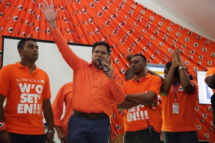 Santokhi viert alvast de naderende overwining.