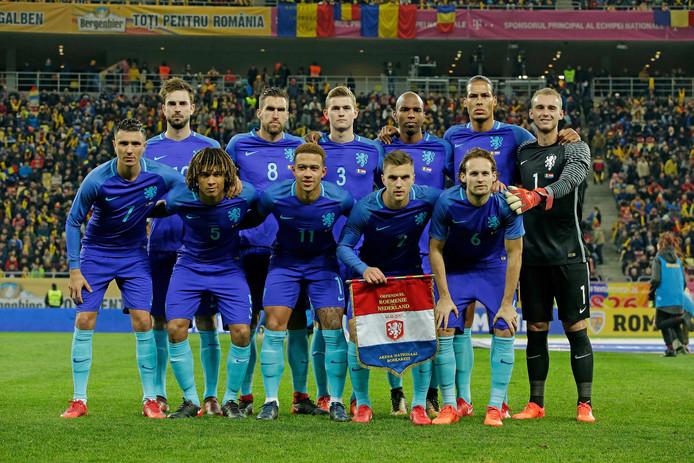 De basiself van Oranje voor het oefenduel in en tegen Roemenië (0-3).