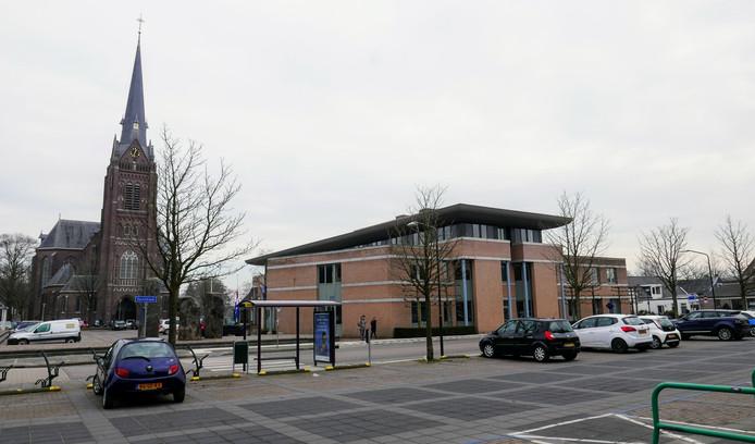 De opsplitsing van de gemeente Haaren kan voor de inwoners van Haaren, Esch en Biezenmortel wel eens lagere lokale belastingen betekenen.