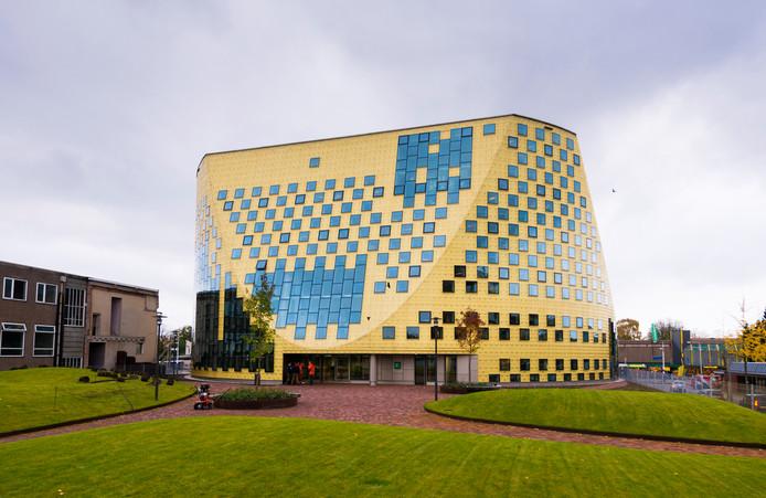 De gemeente Hardenberg (foto gemeentehuis) gaat het voor de wind. De jaarrekening 2018 werd afgesloten met een positief resultaat van 12,4 miljoen euro. Foto Wouter Borre