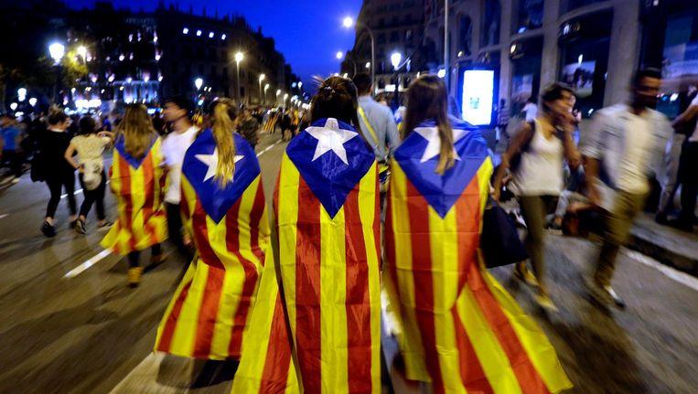 Catalaanse demonstranten tegen het politieoptreden van 3 oktober in Barcelona. Beeld epa