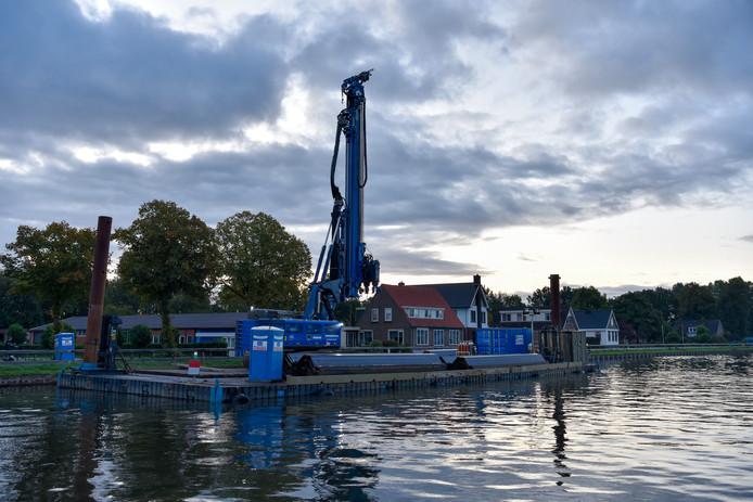 Steeds meer Daarlerveners voelen zich niet langer veilig in hun beschadigde huizen langs kanaal Almelo-De Haandrik.