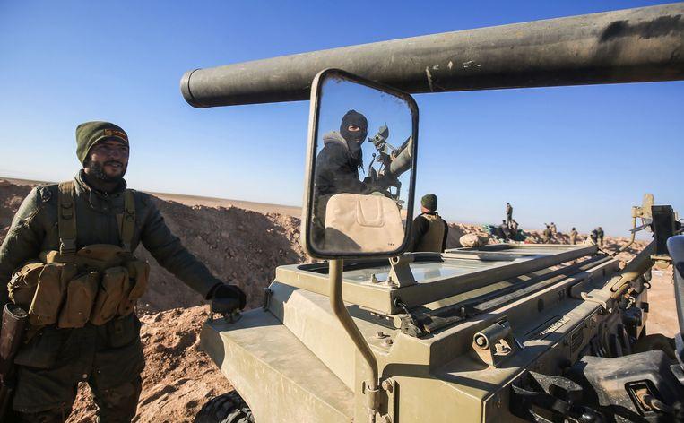 Iraakse troepen bereiden zich voor op het offensief om het westen van de stad Mosoel te heroveren op IS.