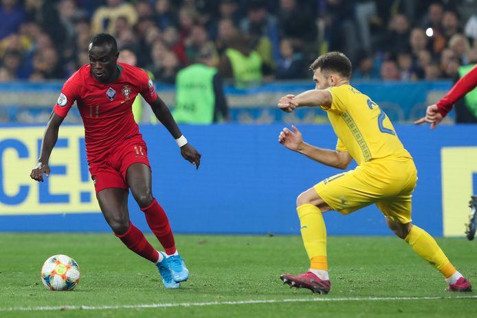 Bruma (links) kon Portugal niet behoeden van een nederlaag in Oekraïne (2-1).