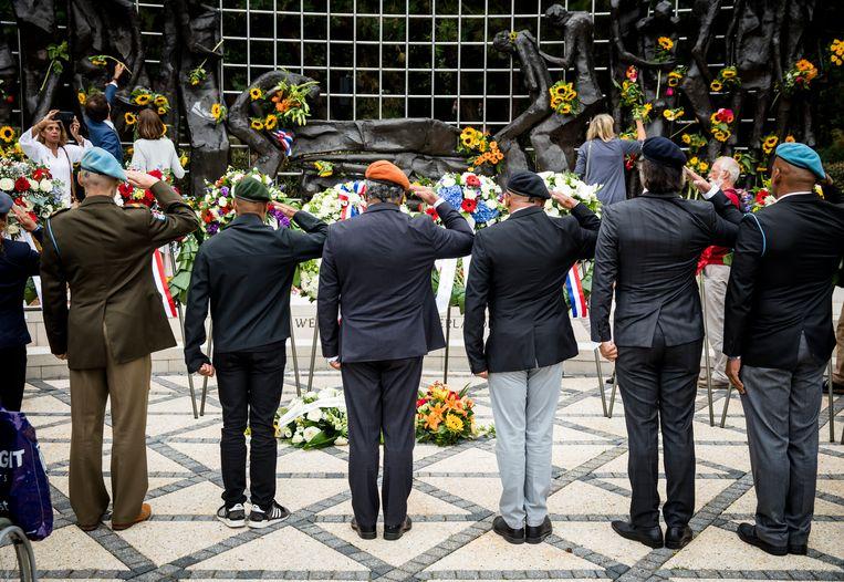 Herdenking bij het Indisch Monument in Den Haag in 2018. Beeld ANP