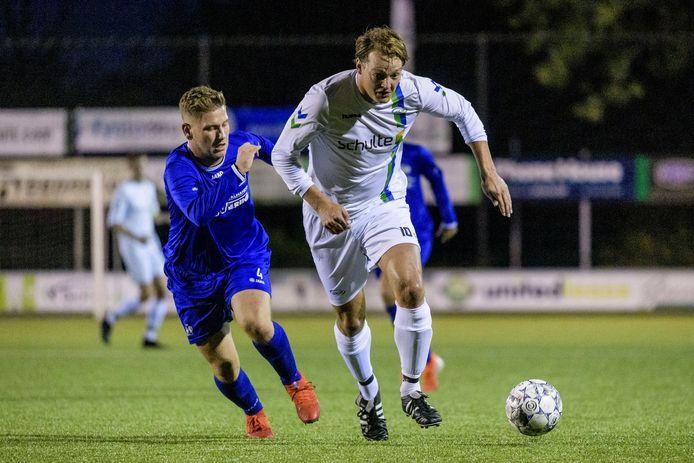 Stef van der Velden in actie namens z'n nieuwe club SDC'12.