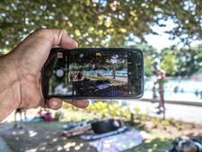 Nauwelijks naleving fotoverbod in zwembad: 'Iedereen neemt smartphone mee'