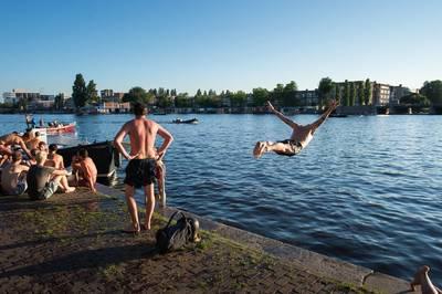 Hitte op komst in Amsterdam: 'Op pleinen wel 34 of 35 graden'