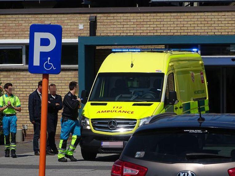 Het meisje werd buiten levensgevaar overgebracht naar het ziekenhuis.