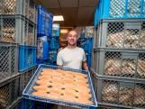 Grootste bakker Surinaamse broodjes verlaat West-Kruiskade na 47 jaar