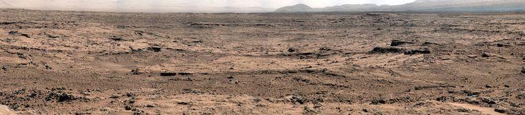 De panoramafoto van Curiosity's uitzicht op Rocknest. Beeld Nasa