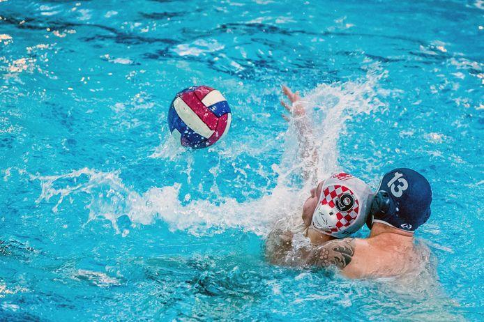 Een wedstrijd van zwem- en polovereniging De Krabben.