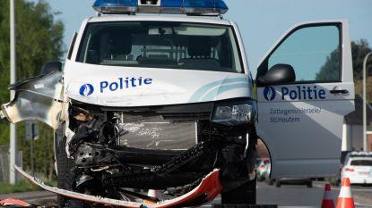 VIDEO. Politiecombi betrokken bij verkeersongeval op Europaweg