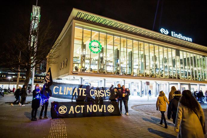 Extinction Rebellion Brabant: Actie tijdens Glow in Eindhoven