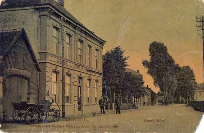 Grand Hotel Boxtel eind negentiende eeuw, met rechts zicht op wat tegenwoordig de Parallelweg Zuid is.