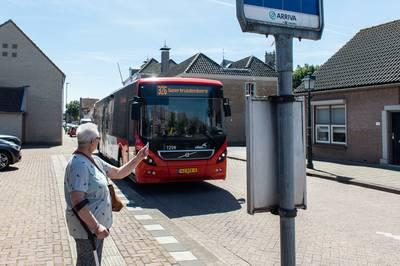 Elisabeth (70) loopt uitje mis door staking streekvervoer: 'Op deze manier is het geen pretje om oud te worden'