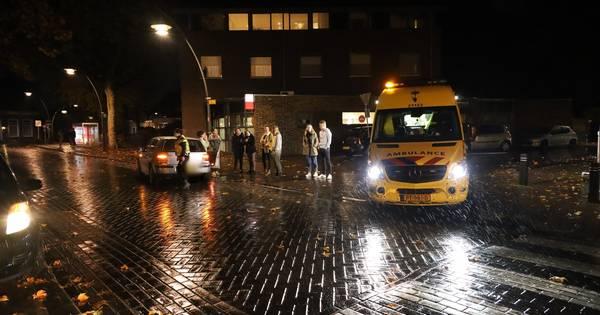 Voetganger naar ziekenhuis na aanrijding in Erp.