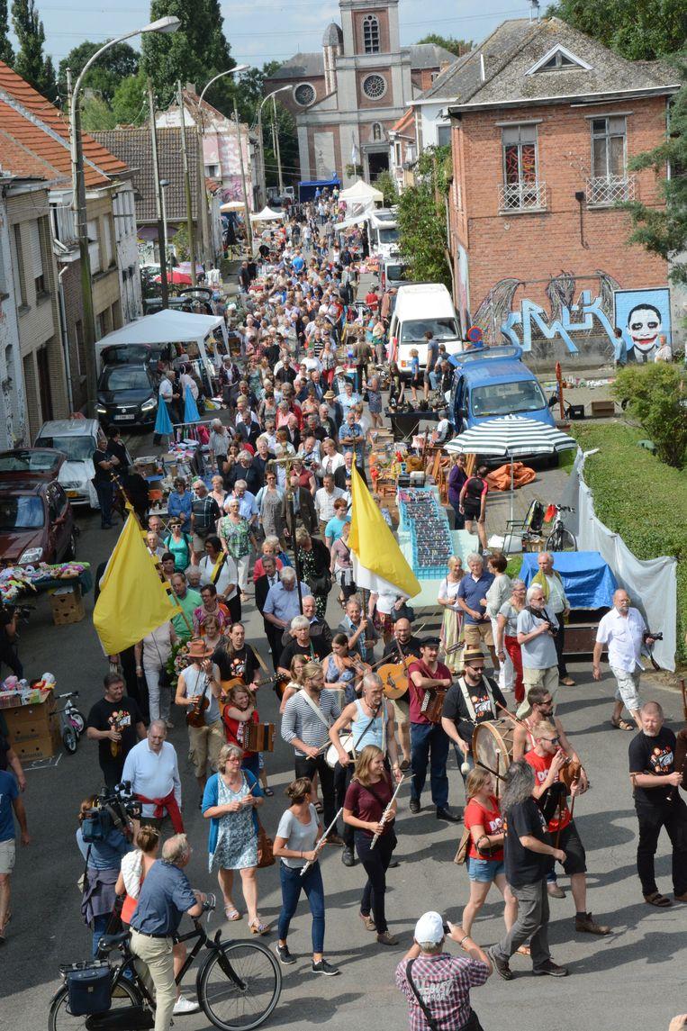 Het anders bijna verlaten Scheldedorp zal zondag opnieuw overspoeld worden door duizenden bezoekers