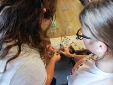 Schoolkinderen Tilburg maken start met recyclen pet-flesjes