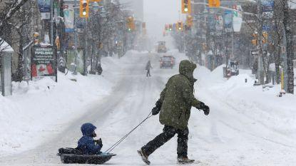 Zware sneeuwstorm legt Canada deels lam: scholen gesloten, honderden vluchten geannuleerd