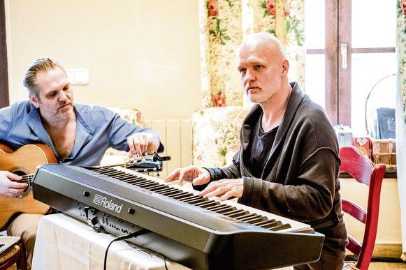 De broers Walschaerts werken samen nummers uit.