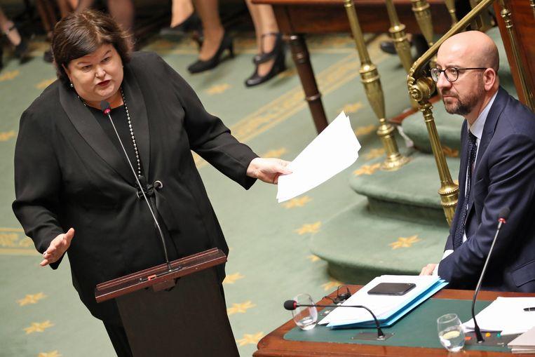 Minister Maggie De Block en premier Michel.