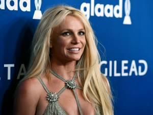 Britney Spears dit adieu à son blond légendaire