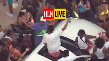 HLN LIVE. Complete chaos tijdens Amerikaanse Memorial Day: man gooit met geld waarop iedereen social distancing vergeet