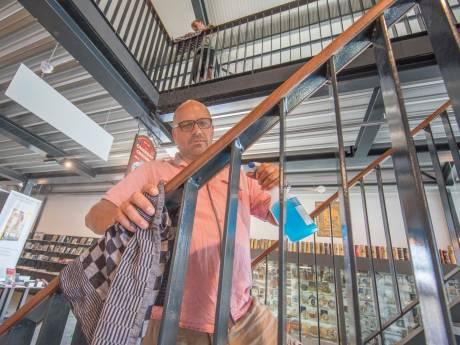 Poetsen, suppoosten, poetsen, rondleiden: de museumvrijwilliger heeft het extra druk