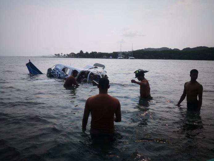 Het wrak in de zee bij Roatan.