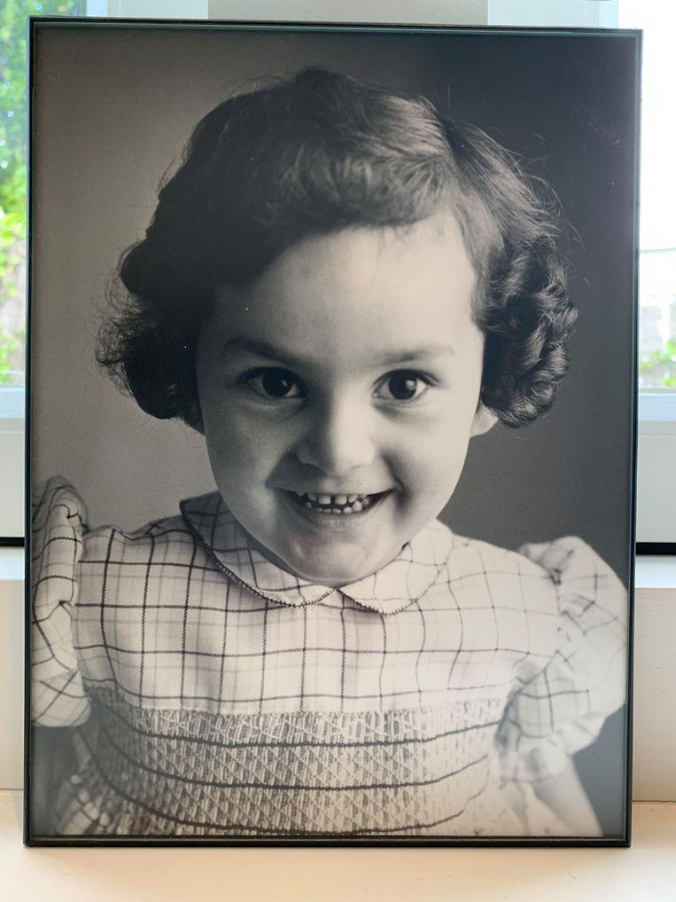 Esther van Fenema als kind.  Beeld