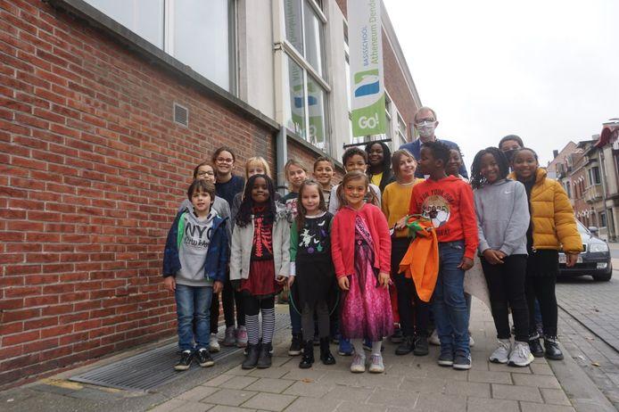 De leerlingenraad van het Atheneum basisschool Denderleeuw wil dit schooljaar een 'Dag van de Leerling' .
