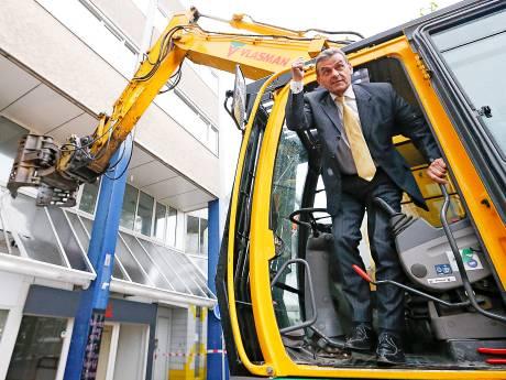 Alphense wethouder Gerard van As is 75 jaar: 'Wat hij doet is z'n lust en z'n leven'