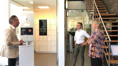 Tiense Carconnex screent en beschermt bezoekers vanaf nu met virtuele receptionist van Leuvens technologiebedrijf Bringme