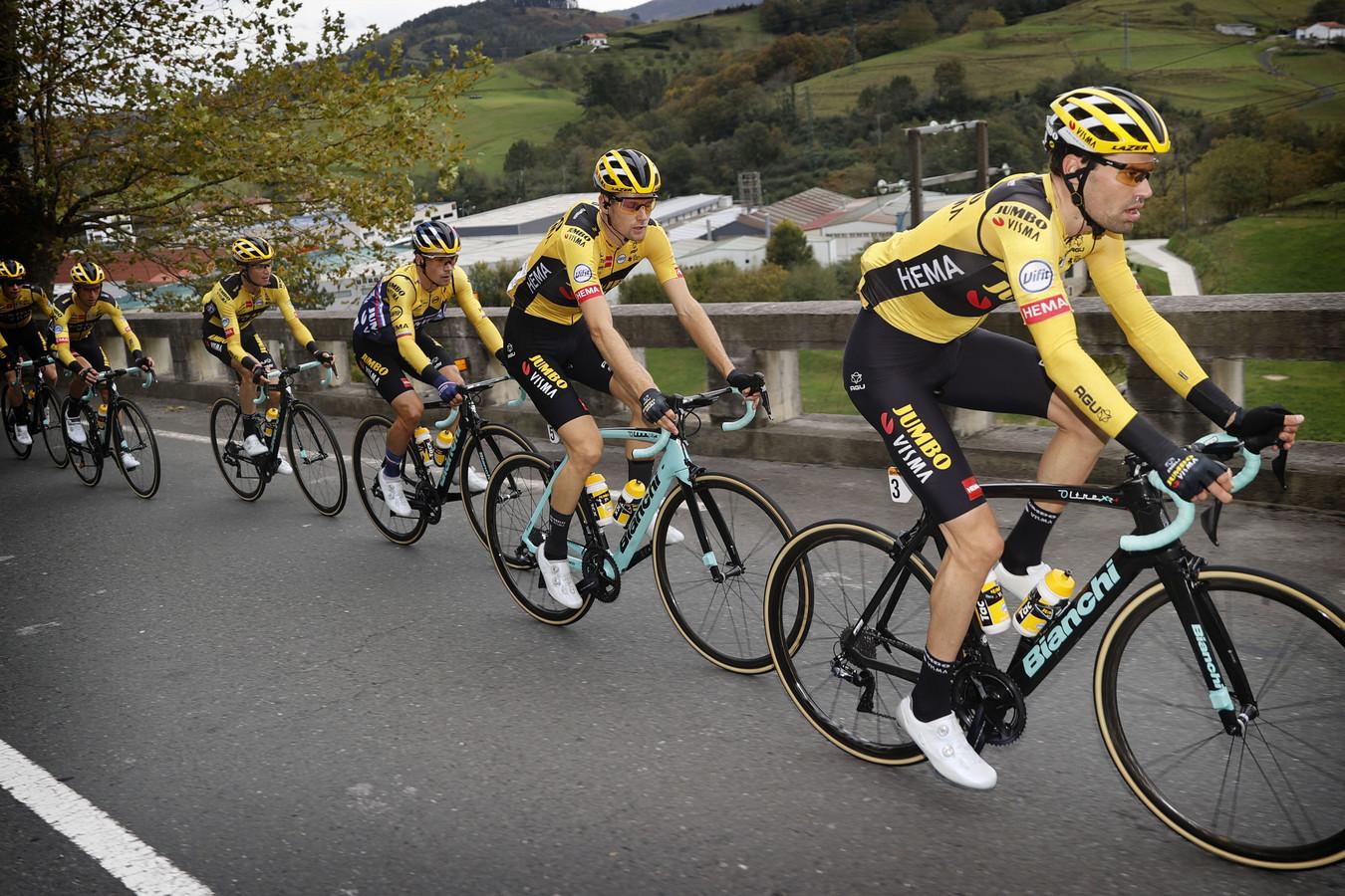 Tom Dumoulin en ploeggenoten tijdens de Vuelta.