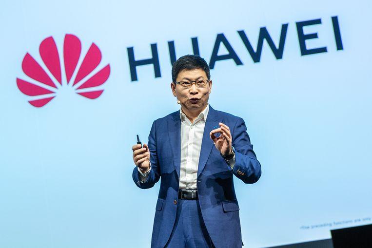 De verplaatsing vanuit China moet tot meer vertrouwen leiden, zegt topman en oprichter Ren Zhengfei tegen de Canadese krant The Globe and Mail.