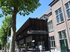 Zonnepanelen op dak theaterzaal Jan van Besouw